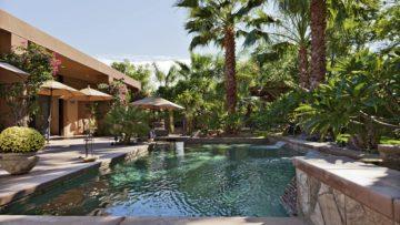 pool builders landscaping